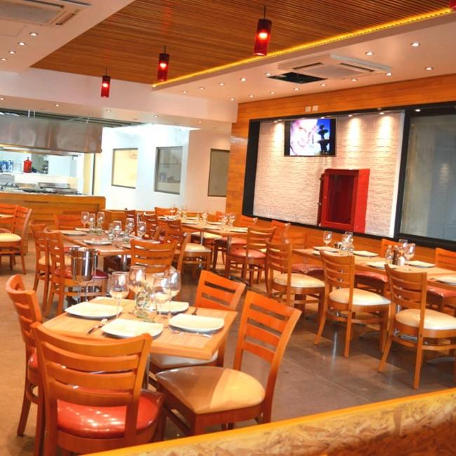 Mobiliario y equipo profesional para restaurante for Mobiliario para restaurante