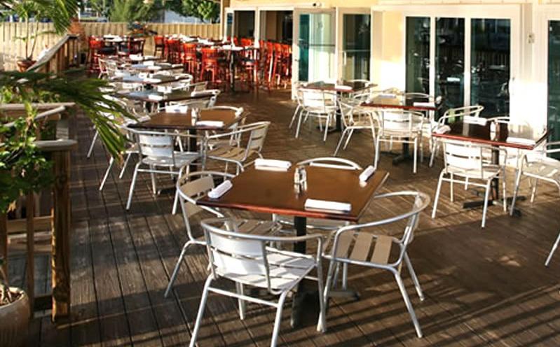 Muebles para REstaurante y Cafeterias para Exteriores