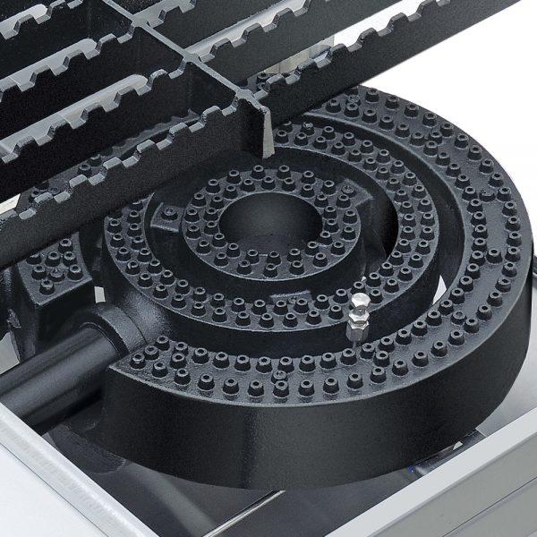 246 El Estufon Individual EC-1T se fabrica en lámina de acero inoxidable y funciona a Gas. Su Sección Individual cuenta con 2 Quemadores Concéntricos. Además sus parrillas dentadas tipo europeo distribuyen el peso de las grandes ollas óptimamente. Sin duda, es un equipo necesario en producción de alto volúmen.    2 parrillas superiores en hierro fundido.  1 charola para captar los escurrimientos.  Medidas exteriores totales:  Frente: 0.570 m  Fondo: 0.690 m  Alto: 0.600 m