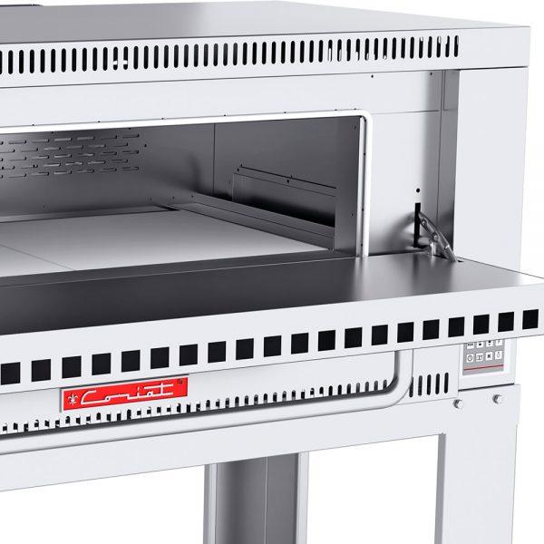 293 Horno Para Pizza PIZZINO-3 PETIT. Fabricado Totalmente en Lamina de Acero Inoxidable tipo 430. A Gas con Compartimiento para 3 pizzas de 40 cms de Diámetro, piso refractario, controlado por un Termostato Digital.   1 termostato digital, rango de 100 a 350°c.  2 quemadores tubulares en acero inoxidable.  2 pisos cerámicos de alta concentración de temperatura.  Frente: 1.350 m  Fondo: 0.840 m  Alto: 1.220 m