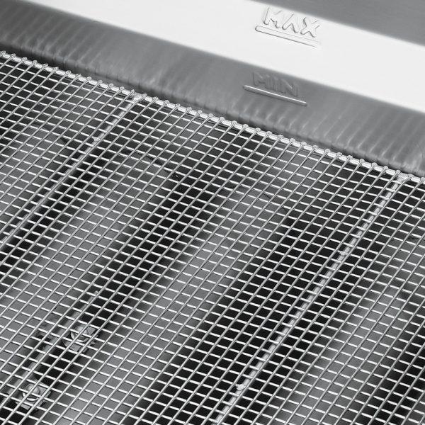 442 Freidora TURBO-30-5Q HD. De Piso Fabricada Totalmente en Lamina de Acero Inoxidable Tipo 430. A Gas. Encendido Electrónico capacidad de 30 litros. 2 Canastillas, 5 Quemadores de recuperación inmediata y Termostato. Termostato con rango de temperatura de 100 a 220° c 1 parrilla de alambrón niquelado para captar residuos. Medidas exteriores totales: Frente: 0.560 m Fondo: 0.880 m Alto: 0.960 m