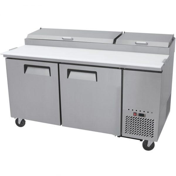 a010 Mesa Preparación de Pizza MRP-170-2P. Mesa refrigerada para preparar pizzas con 2 Puertas sólidas e insertos telescópicos para ingredientes. 4 parrillas plastificadas y volúmen interior: 19 ft³ / 538 lt.