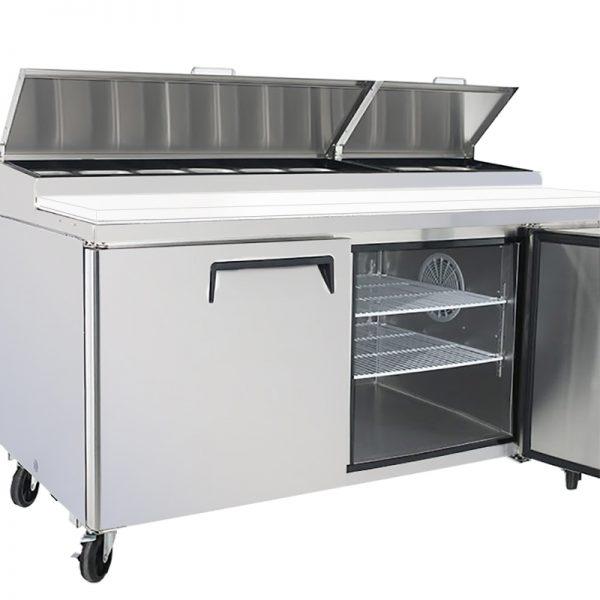a011 Mesa Preparación de Pizza MRP-170-2P. Mesa refrigerada para preparar pizzas con 2 Puertas sólidas e insertos telescópicos para ingredientes. 4 parrillas plastificadas y volúmen interior: 19 ft³ / 538 lt.