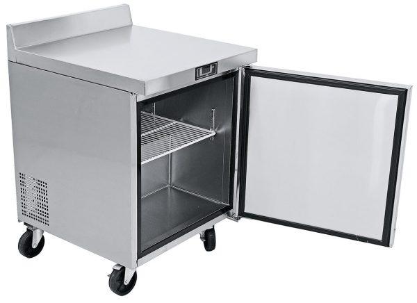 a014 Mesa de Trabajo Refrigerada de 1 puerta sólida con 1 parrilla plastificada y volúmen interior: 6 ft³ / 166 lt.