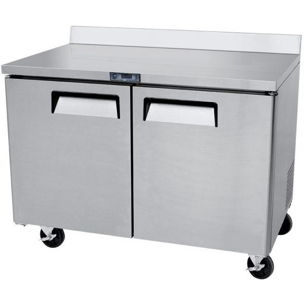 a017 Mesa de Trabajo Refrigerada de 2 puertas sólidas con 2 parrillas plastificadas y volúmen interior: 12 ft³ / 340 lt.