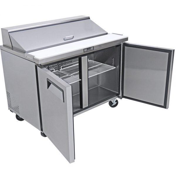 a045 Mesa refrigerada para preparar sándwiches y ensaladas con 2 puertasólidas, 2 parrillas plastificadas y volumen interior: 12 ft³ / 340 lt.