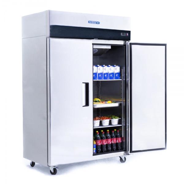 5b770e0e0d966 Refrigerador Profesional de Acero Inoxidable RVS-247-S. Con Dos Puertas Sólidas, 6 Parrillas Plastificadas y Capacidad de 47 pies cúbicos.