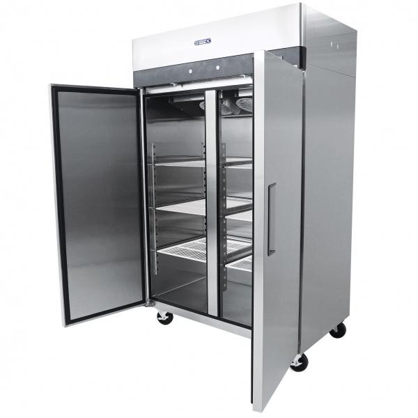 5b7aa0de75150 Refrigerador Profesional de Acero Inoxidable RVS-247-S. Con Dos Puertas Sólidas, 6 Parrillas Plastificadas y Capacidad de 47 pies cúbicos.