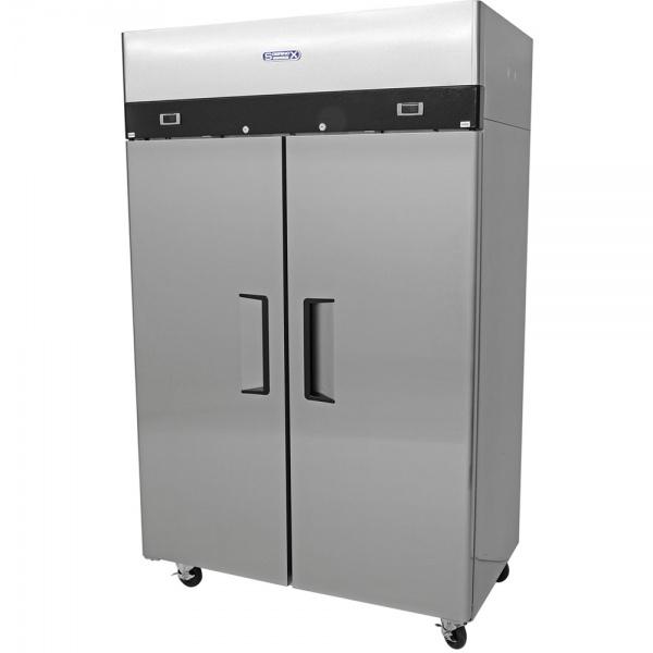 cool and freeze 1 Cool And Freeze Congelador y Refrigerador con 2 Puertas Sólidas, 6 Parrillas Plastificadas y un volumen interior de 30 Pies Cúbicos