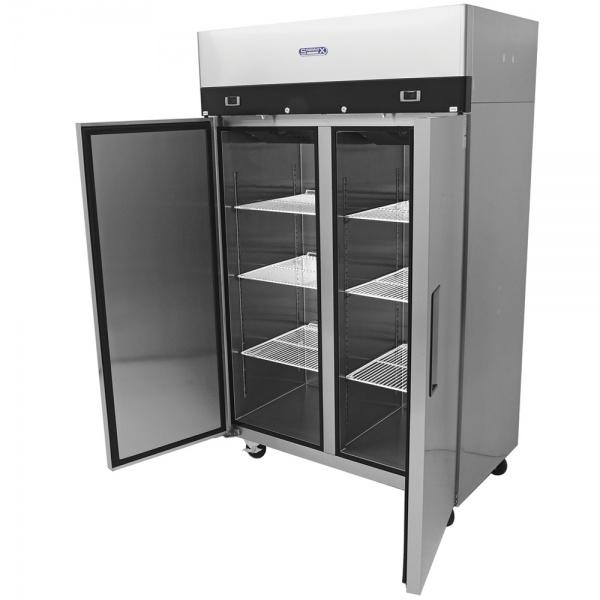 cool and freeze 2 Cool And Freeze Congelador y Refrigerador con 2 Puertas Sólidas, 6 Parrillas Plastificadas y un volumen interior de 30 Pies Cúbicos
