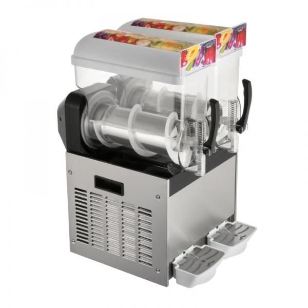 NL XRJ 15X3 22 Maquina Granita Granizadora NL-XRJ-15X3 de Tres Tazones de 15 litros cada uno. Su mejor aliado para la producción de Granizados, Bebidas Frías tipo Frappé y Yogurt Congelado. Es funcional, revolucionaria y muy segura en su operación. Agregue fruta natural endulzada, de concentrado o café preparado para frapuchino y listo... la máquina hace lo demás! Sólo se requiere que el producto tenga suficiente azúcar para lograr su congelación. Gracias a la capacidad de servicio de esta Granita, tenga la seguridad que ampliará sustancialmente su menú de bebidas.