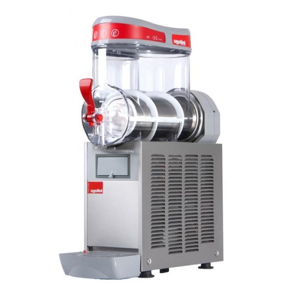 mt 1 ugolini 2 Maquina Granita Granizadora MT1 de Un Tazón de 10 litros. Su mejor aliado para la producción de Granizados, Bebidas Frías tipo Frappé y Yogurt Congelado. Es funcional, revolucionaria y muy segura en su operación. Agregue fruta natural endulzada, de concentrado o café preparado para frapuchino y listo... la máquina hace lo demás! Sólo se requiere que el producto tenga suficiente azúcar para lograr su congelación. Gracias a la capacidad de servicio de esta Granita, tenga la seguridad que ampliará sustancialmente su menú de bebidas.