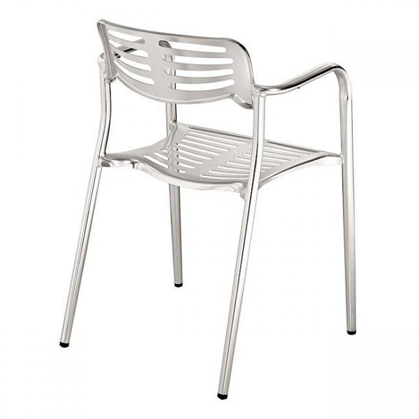 DC 06014 2 Silla de Aluminio DC-06014 para Restaurante. Fabricada completamente en Aluminio Troquelado y Soldado. Gracias a la naturaleza del aluminio, esta silla es apta para Intemperie. Pero igualmente luce formidable en Interiores. Ideal para Terrazas, Bares y Cafeterías.