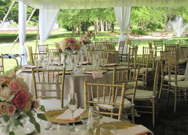 ambiente tiffany oro Silla de Resina Tiffany. Fabricada en Resina de Alta Resistencia. Ideal para Eventos y Banquetes. Colores: Blanca, Oro y Transparente.