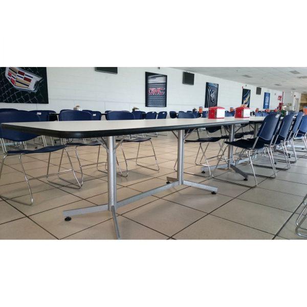 Mesas y sillas para comedores industriales