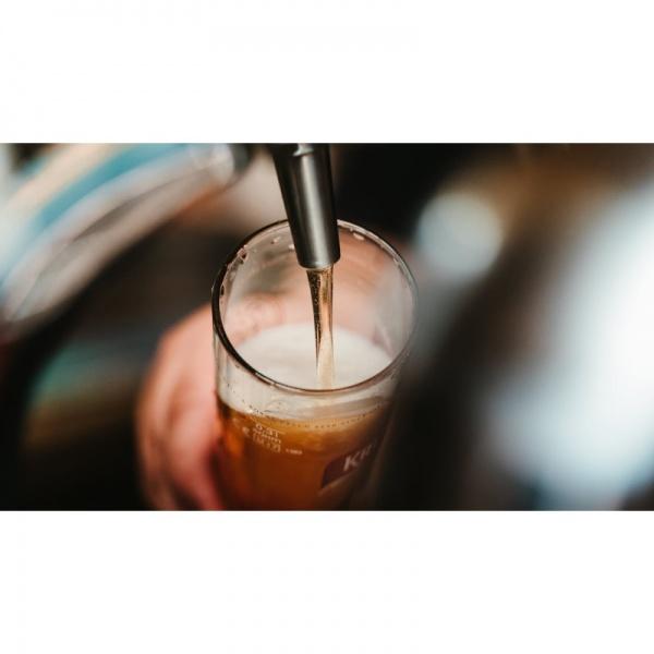 enfriador cerveza 1 El Dispensador de Cerveza de Barril MKC58 Refrigerado de Atosa es el Equipo para servir Cerveza de Barril a la temperatura ideal por lo que no puede faltar en un bar profesional. Este modelo intermedio de Dos Torres y Dos Puertas gracias a su avanzada tecnología, le ofrece prestaciones para satisfacer alta demanda y en cualquier clima. Además de muchas otras que podrá apreciar en sus características.  Dimensiones: 1,466 m frente x 0.739 m fondo x 1.019 m alto.  Ver más Dispensadores de Cerveza Aquí: